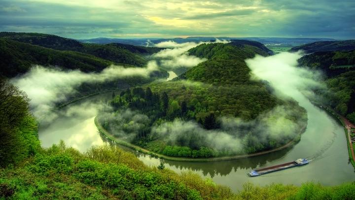 Foggy River Bend wallpaper