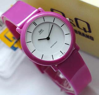 jam tangan Q&Q VQ94 karet pink tua Original
