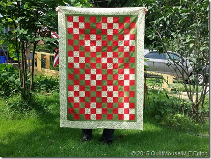 Nine Patch Quilt Pattern Christmas Red & Green with Trees