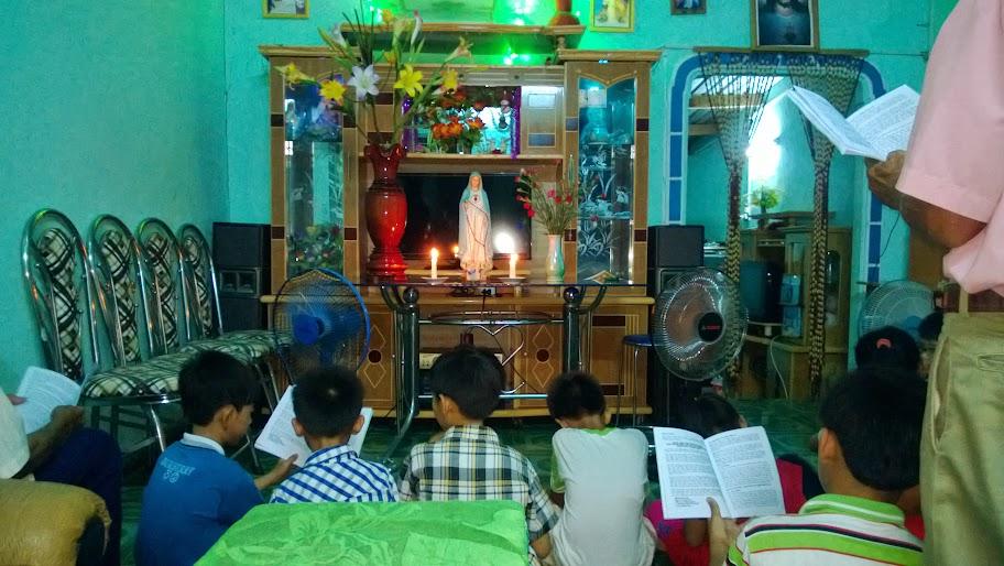 Giáo xứ Ninh Trang trong tháng kính Đức Mẹ.