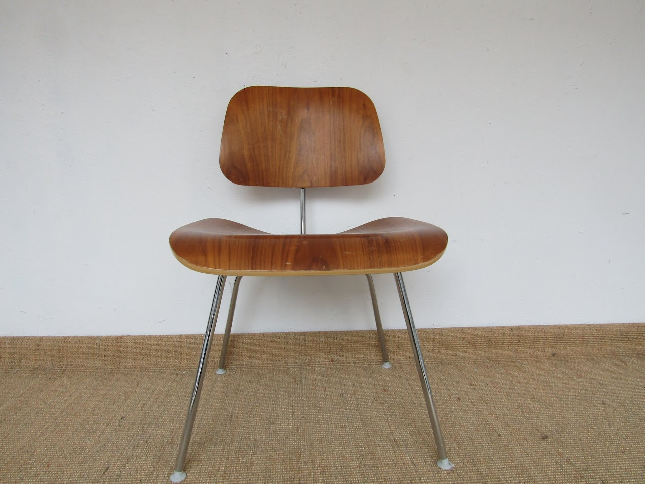 Eames Molded Plywood Single Chair