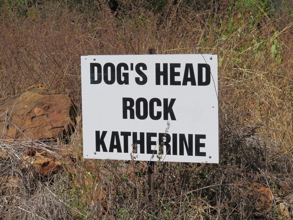 [170605-042-Katherine-Dogs-Head-Rock3]