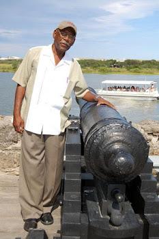 Jorge Biassou Monument1 (3).jpg