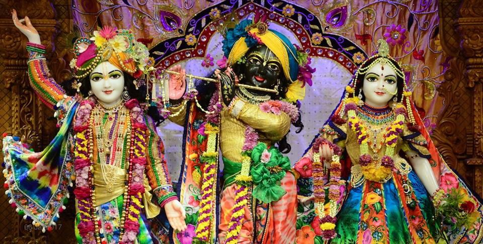 ISKCON GEV Deity Darshan 06 Jan 2017 (22)