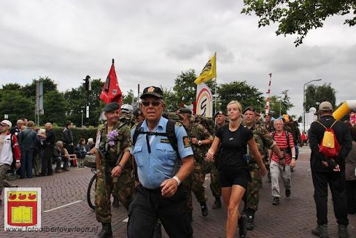 Vierdaagse van Nijmegen door Cuijk 20-07-2012 (14).JPG