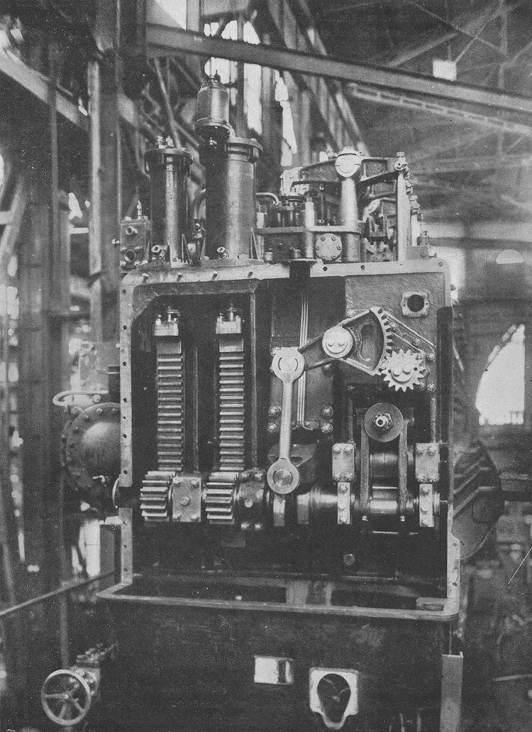 11- CIUDAD DE IBIZA. Detalle del cambio de marcha. Revista de Ingenieria Naval. Marzo de 1933.jpg