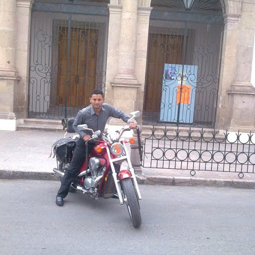 Hector Bautista Photo 10