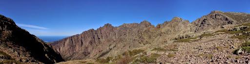 Dans la descente du versant NW du Capu Penne Rosse, le plateau sous Bocca Maghine
