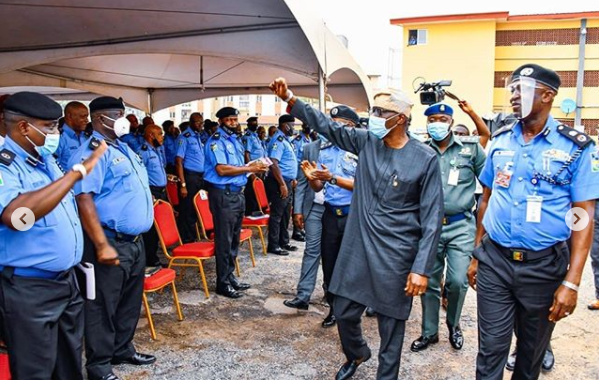 Gov. Sanwo-Olu Awards Scholarship To Children Of Policemen Who Died During #EndSARS Crisis In Lagos