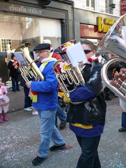 2011-03-06 tm 08 Carnaval in Oeteldonk - P1110666.jpg