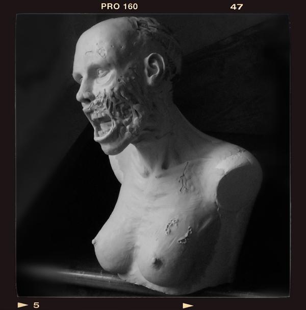 Buste échelle 1 zombie girl Zombie-bust03