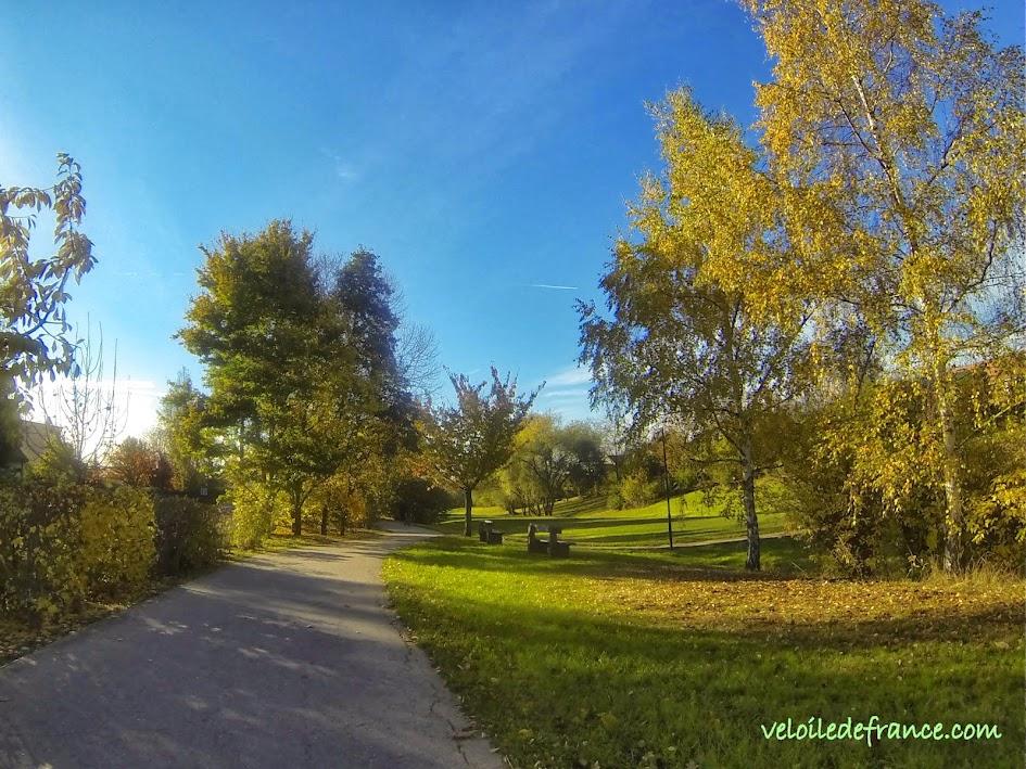 A vélo de Bourg la Reine à Verrières le Buisson : de hameau en ruisseaux