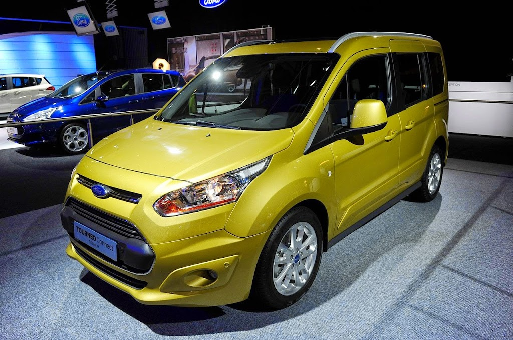 2013-Ford-Tourneo-Connect-1