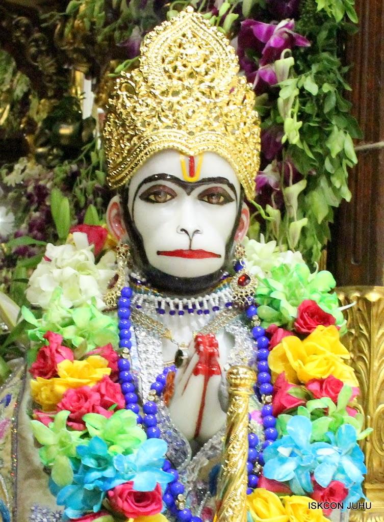 ISKCON Juhu Sringar Deity Darshan on 26th Aug 2016 (55)