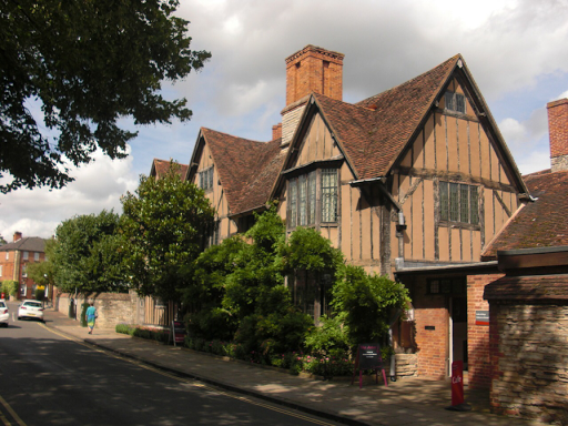 halls croft Stratford upon Avon