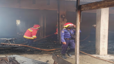Sepuluh Orang Mengungsi, Kebakaran Ruko di Lamreung