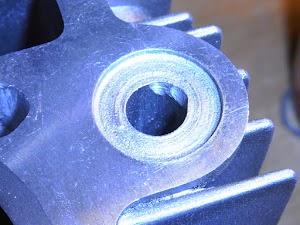 キャブレター使用カブのオイルリターン形状