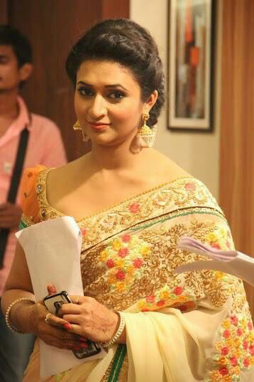 new hair styles for hair divyanka tripathi in yellow dress new 2910