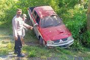 Mobil Doble Cabin Strada L-200 Terbalik di Syiah Utama, Supir dan Penumpang Selamat
