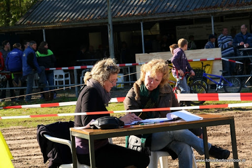 Bromfietscross Circuit Duivenbos overloon 15-10-2011 (77).JPG