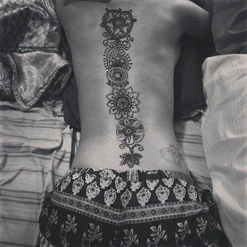 artstica_coluna_vertebral_tatuagem