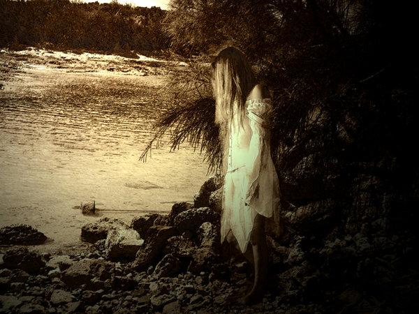 Marooned Ghost, Ghosts