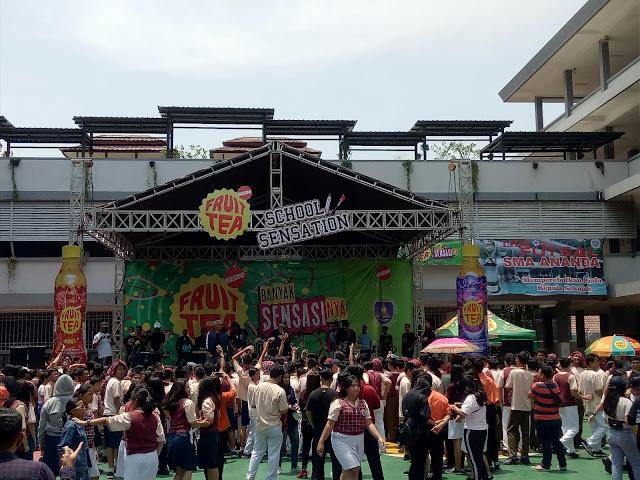 Seruuuu ... Fruit Tea School Sensation hadirkan boyband CNCO ke SMA Ananda Bekasi