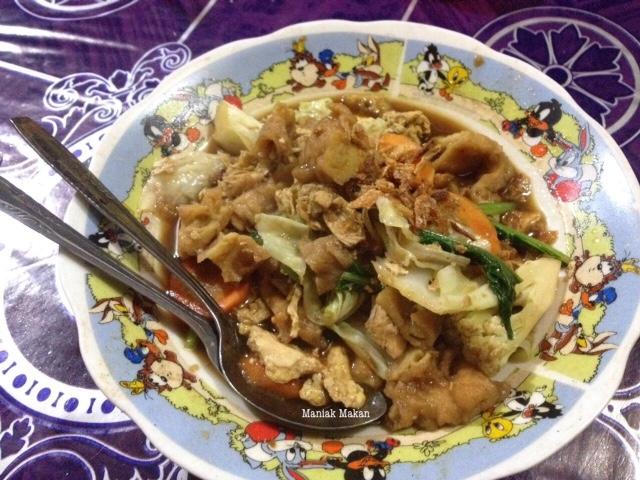 maniak-makan-mie-jawa-bara-arang-padmosari-solo-capjae-jawa-goreng