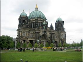 Lustgarten (Jardín de Recreo) y la Berlinen Dom al fondo - Berlín'10