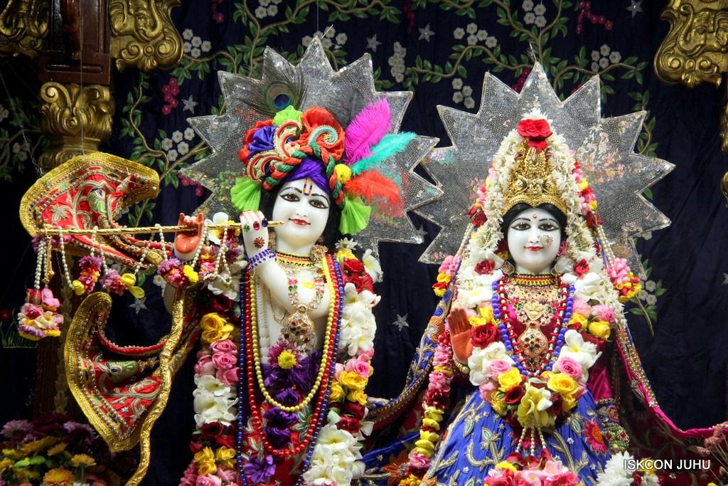ISKCON Juhu Sringar Deity Darshan 22 Nov 2016 (3)