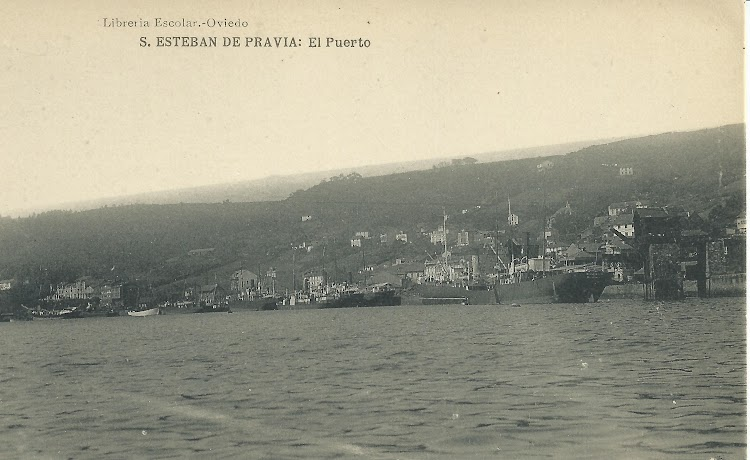 Vapores operando en el puerto de San Esteban de Pravia. Archivo Manuel Rodríguez Aguilar.jpg