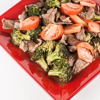 Chinese Beef and Broccoli with Tomato