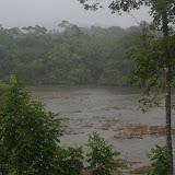 Pluie sur Saut Athanase sur l'Approuague (Guyane). 20 novembre 2011. Photo : J.-M. Gayman