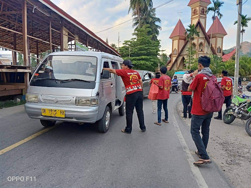 Suporter PSM Makassar, The Maczman Zona Tana Toraja Berbagi Takjil