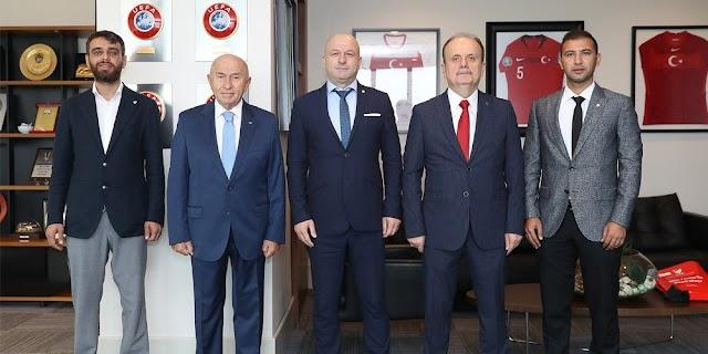 Bursaspor Yönetim Kurulu TFF Başkanı Nihat Özdemir'i ziyaret etti