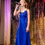 """""""В горнице моей темно"""" - пела юная певица Ларина."""