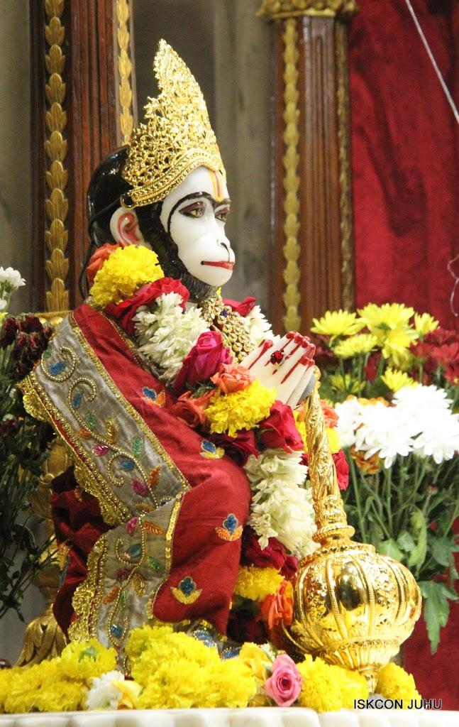 ISKCON Juhu Sringar Deity Darshan on 23rd Aug 2016 (40)