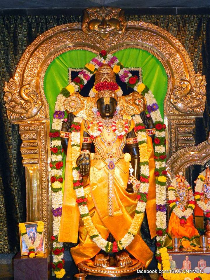 ISKCON Pune NVCC Deity Darshan 18 Dec 2015 (1)