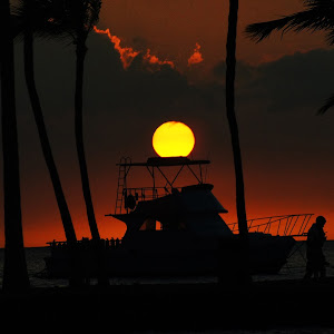 C:\Users\Susan\Pictures\Upload\Hawaii Sunset.jpg