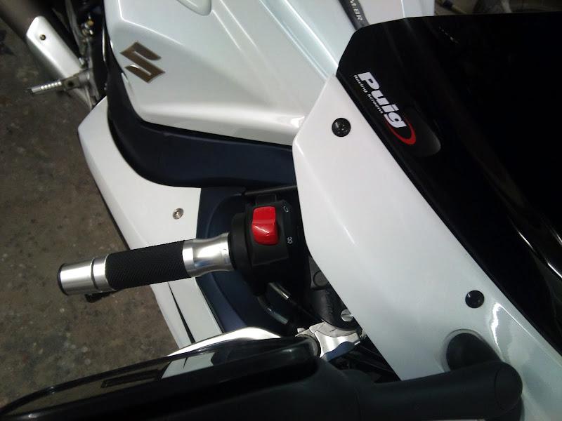 Brinquedo novo na área - GSXR 750 2012 Branca (pag 2) DSC_0062