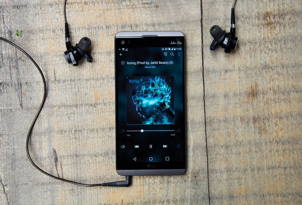 [top-4-phones-for-music-lovers-audiophiles.w1456%5B4%5D]
