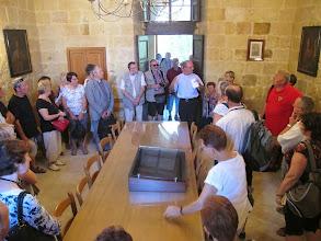 Photo: 13.10.09Gozo,Victoria : Père R.Abdila, couvent St Augustin. salle du chapître