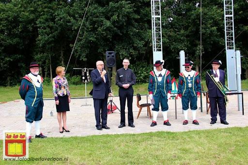 Koningschieten Sint Theobaldusgilde overloon 01-07-2012 (10).JPG