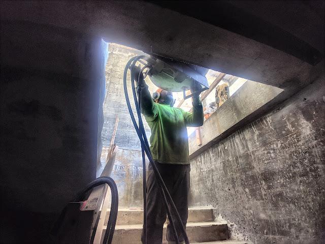 Cutting beams in South Beach