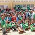 Khoury Industrial dona útiles escolares y lleva alegría a la Escuela El Brisal