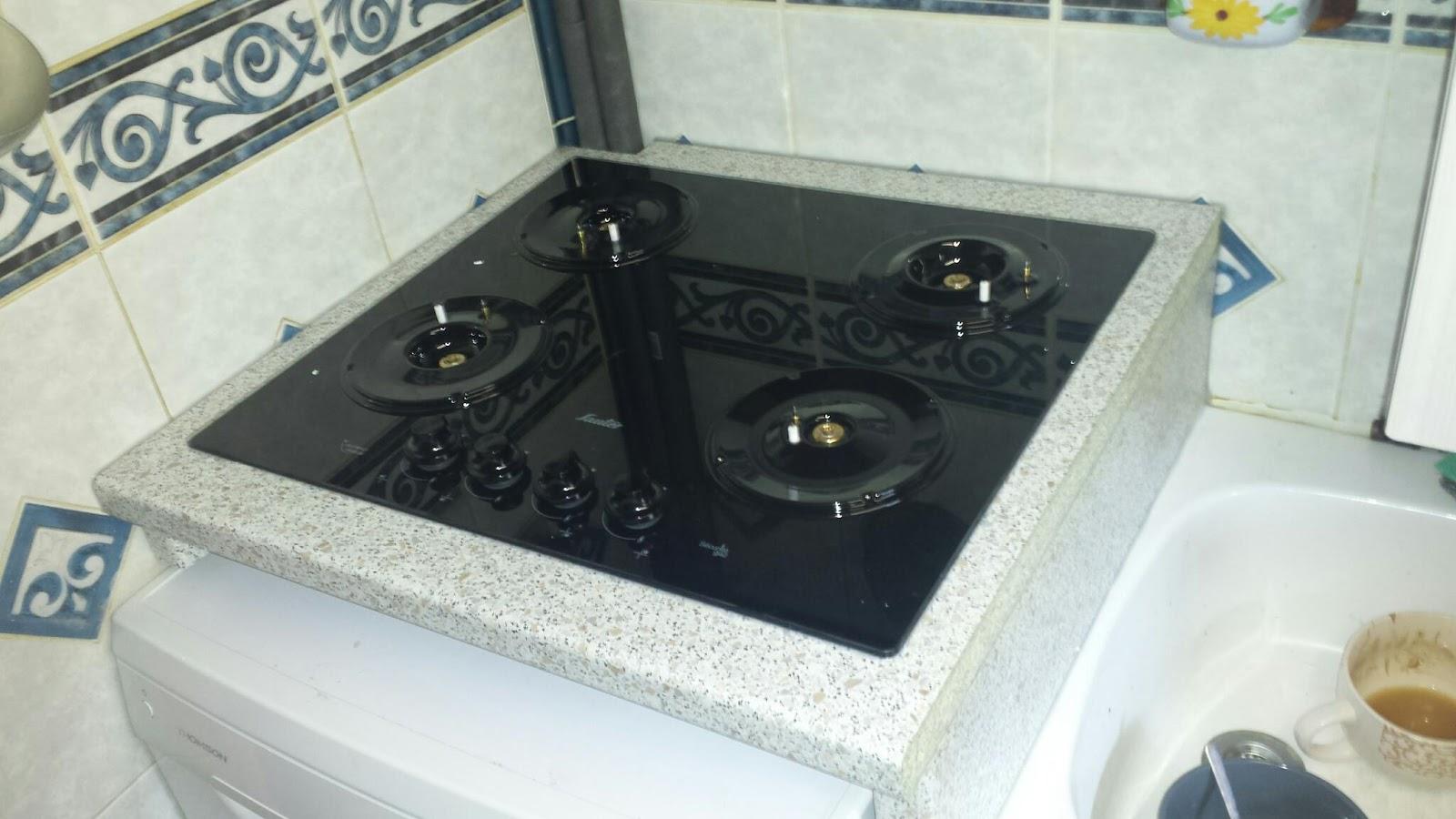 installation plan support plaque de cuisson depanneur electromenager. Black Bedroom Furniture Sets. Home Design Ideas