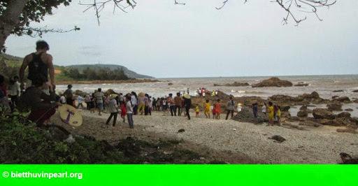 Hình 1: Rủ nhau tắm biển, 3 học trò tiểu học chết đuối