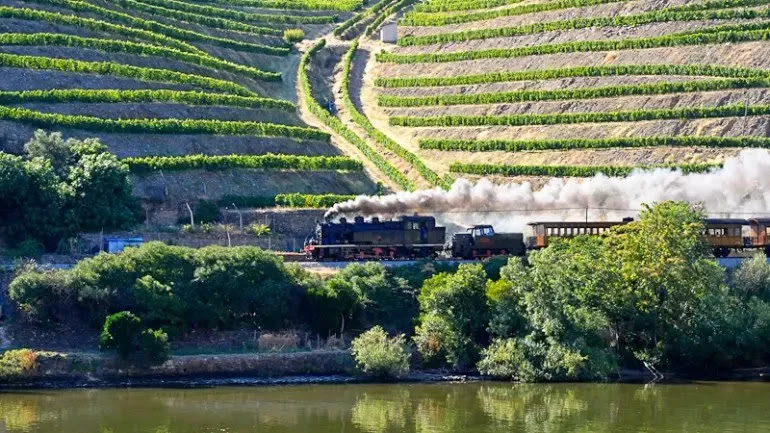 Comboio histórico do Douro arranca a 6 de junho e com mais viagens em 2015