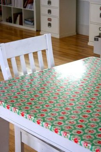 oilcloth tablecloth on kitchen table