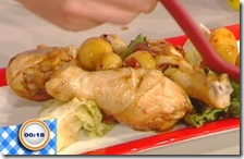 Fusi di pollo in agrodolce con patate e canasta